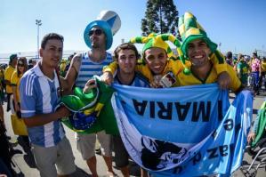 t_117345_abertura-do-mundial-de-2014-tem-festa-e-integracao-entre-brasileiros-e-estrangeiros